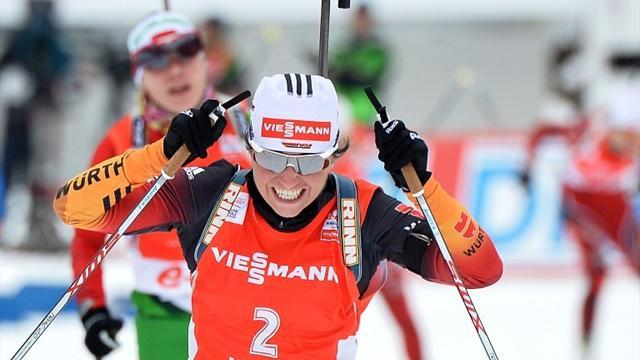 Biathlon - Henkel holds off Skardino in Antholz