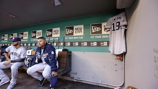 Seager, Young lead Mariners past Padres 5-1