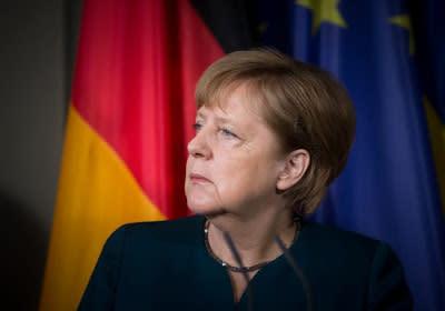 Perché l'euro è crollato dopo la rielezione della Merkel