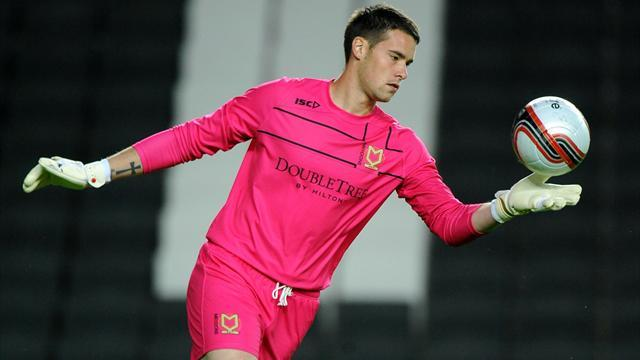 League One - McLoughlin makes Walsall switch