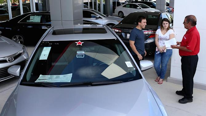 US auto sales expected to hit record high in 2015