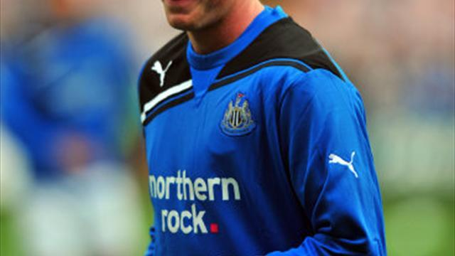 Football - Lennon hoping to tie up Newton deal