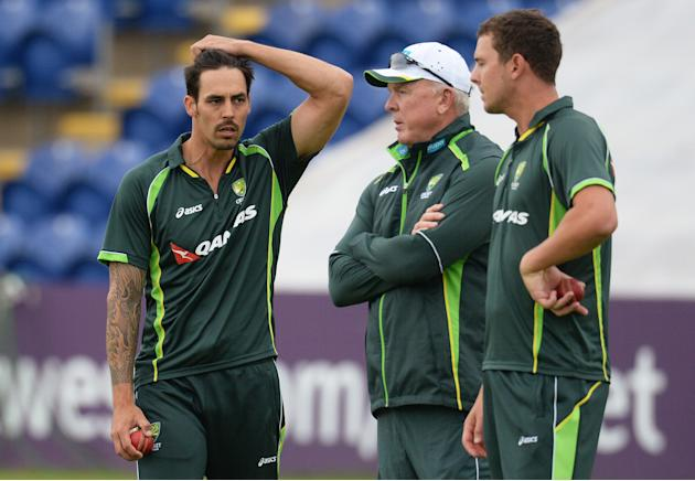 CRIC: Australia's Mitchell Johnson (L) during a training session