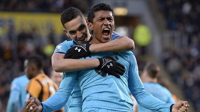 Premier League - Paulinho piledriver earns Spurs a point