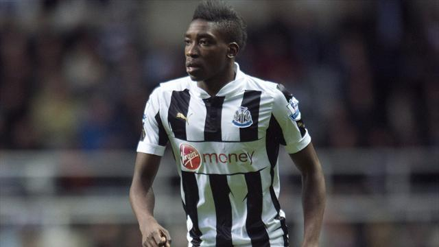 Football - Ameobi makes Boro switch