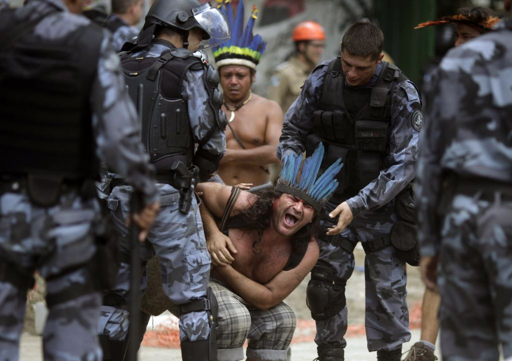 Amazon natives fight police eviction | Mannaismaya ...