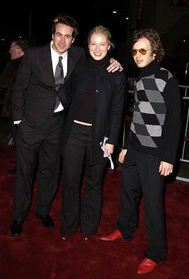 Premiere: Jason Lee, Carmen Lee and Beck at the Hollywood premiere of Vanilla Sky - 12/10/2001