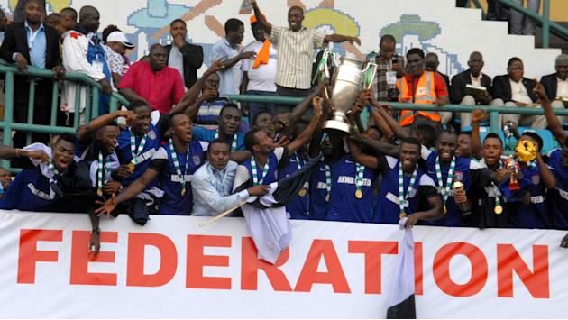 Governor Emmanuel rewards Akwa United with cash prizes, landed properties