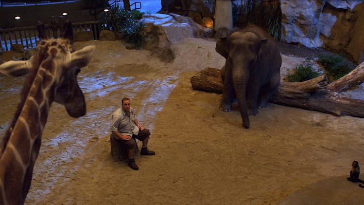 Zookeeper Columbia Pictures 2011 Kevin James