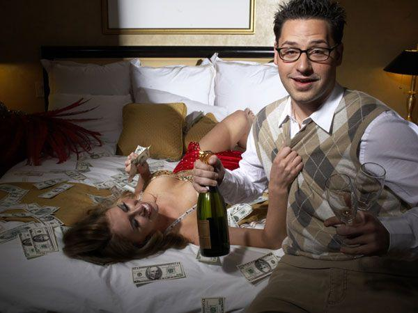 10 Sexy Drinking Games to Play with Your Partner