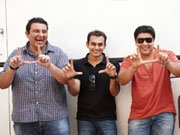 Sajid Khan's HIMMATWALA is a starry affair!