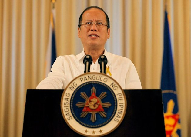 President Benigno S. Aquino III announces that a framework agreement, which includes the establishment of a new 'Bangsamoro' autonomous political entity, has been forged with the Moro Islamic Liberation Front at the Palace Reception Hall Oct. 7. (Photo by Malacañang Photo Bureau)