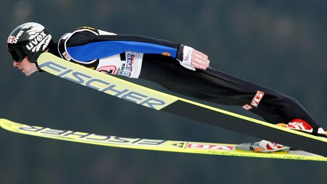 Ski Jumping - Jacobsen and Schlierenzauer shine in Four Hills qualifying