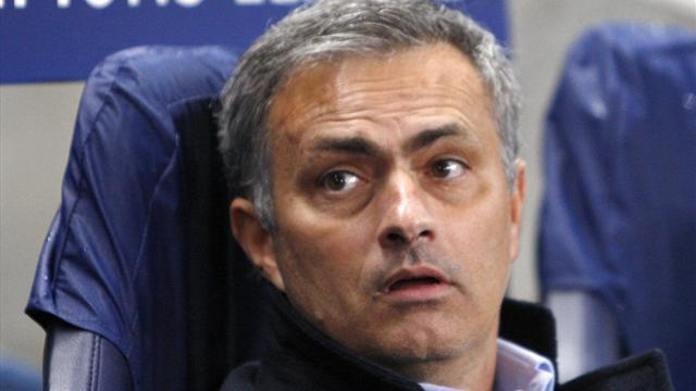 Liga - Mourinho to face disgruntled Real fans alone