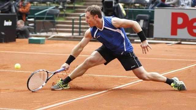 French Open - 'Mussell' Russell still loving the old routine
