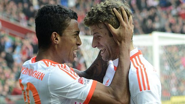 Bayern six from six after winning at Werder Bremen