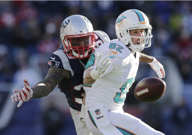 Receivers Hartline, Gibson released by Dolphins