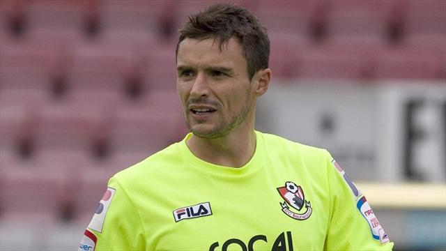 League One - Flahavan extends Bournemouth deal