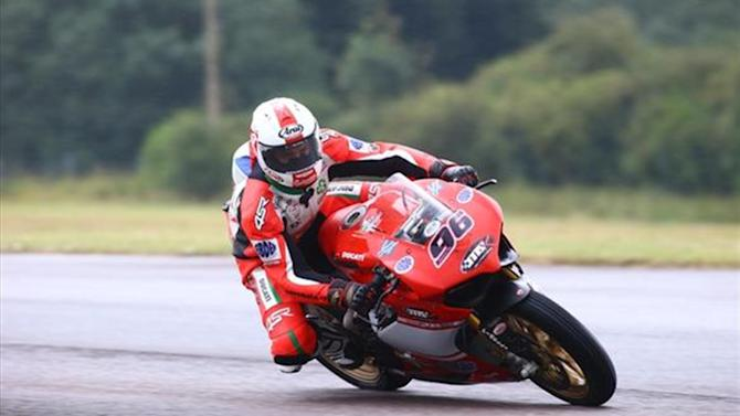 Superbikes - BSB: Smrz bags maiden pole at Thruxton