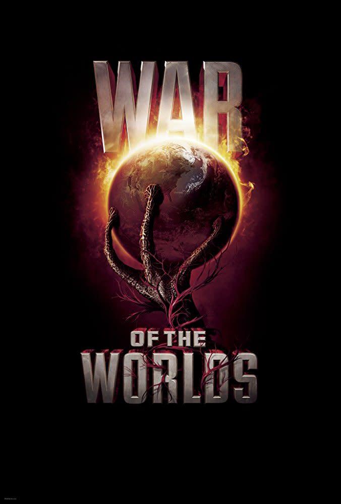 <p>七、《世界大戰》War of the Worlds,2005:儘管這部《世界大戰》毀譽參半,也沒有人可以解釋,為什麼外星人就是不肯放過湯姆克魯斯,就算交到史蒂芬史匹柏手中也無法跳脫這個命運。但即便如此,仍不該抹滅《世界大戰》在處理外星人入侵時的震撼畫面威力。史蒂芬史匹柏極其擅長的末日壓迫氛圍,在《世界大戰》中仍然十分傑出;片中更大量納入了911事件的文化符碼,以微見鉅、由小見大,從平民百姓的視角來窺視災難當頭的驚懼惶然,並將外星人入侵和911恐怖攻擊彼此呼應疊合,表面上乍看只是一部科幻災難電影,骨子裡則是在碰觸當代美國最悲痛、也仍在淌血的傷疤。(圖:電影海報/Paramount Pictures) </p>