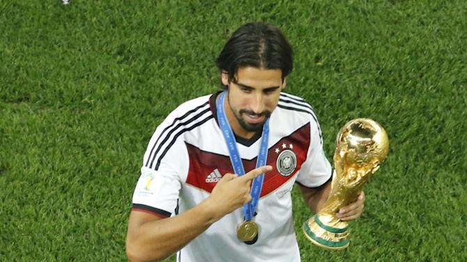 Serie A - Fiorentina to fight Arsenal for Khedira