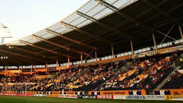 Championship - Oxley extends Hull stay