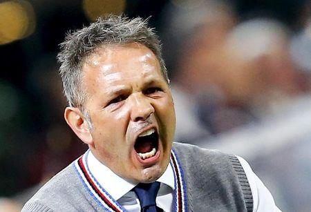 Sampdoria coach Mihajlovic reacts during their Italian Serie A soccer match against AC Milan in Milan