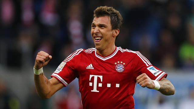Serie A - Roma join Juve in Mandzukic race