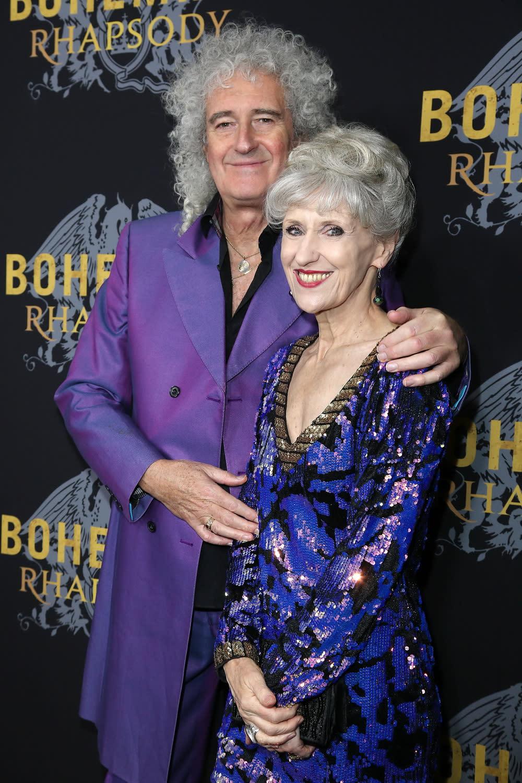 <p>作為皇后樂團的原始成員,同時身兼本片的創意顧問,吉他手布萊恩梅也攜演員妻子安妮塔道布森(Anita Dobson)現身首映。 </p>