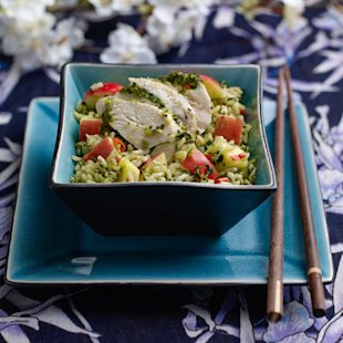Thai style rice salad with chicken, Pink Lady® apple and mango 1