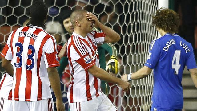 Premier League - Walters endures nightmare as Chelsea thump Stoke