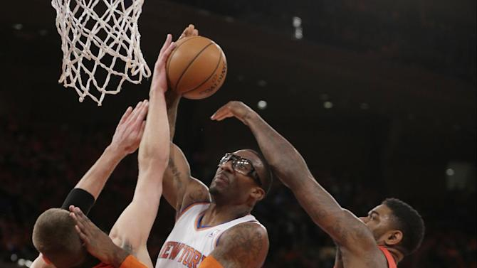 Knicks beat Raptors, who get No. 3 seed anyway
