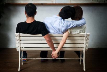 Amar a dos personas a la vez/ iStockphoto