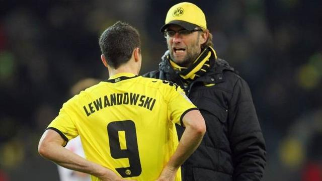 Bundesliga - Lewandowski talk angers Dortmund coach