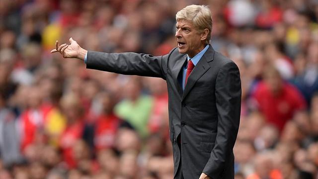 Champions League - Wenger hits back over transfer criticism