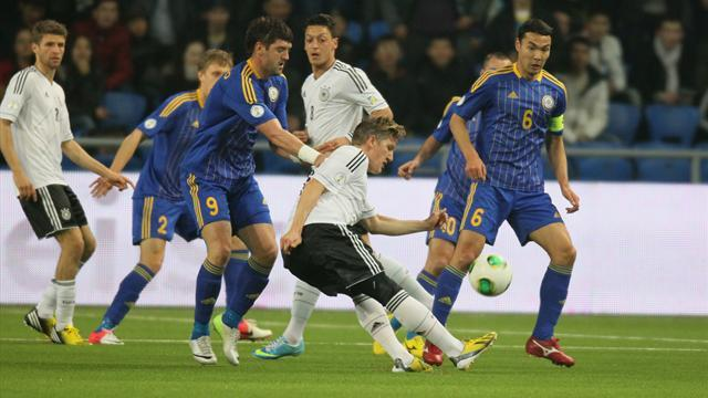 World Cup - Striker-less Germany ease past Kazakhstan to stay top