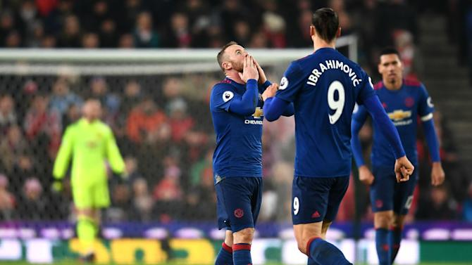 Rooney salvó el invicto de Manchester United