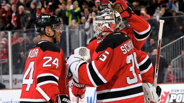 Ice Hockey - Schneider stars as Devils hold off Capitals