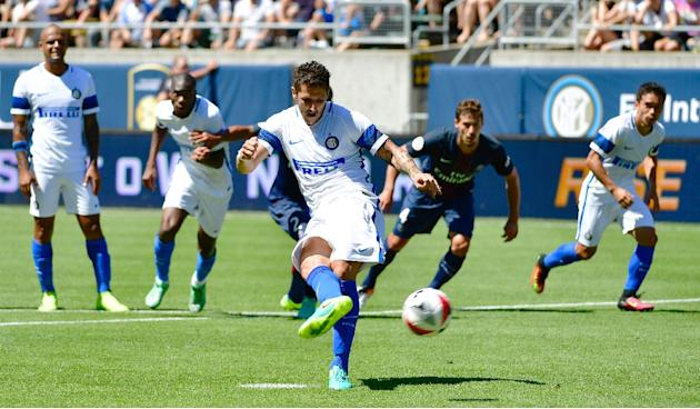 Inter Milan's Stevan Jovetic scores his team's only goal during their International Champions Cup friendly match against PSG, at Autzen Stadium in Eugene, Oregon, on July 24, 2016
