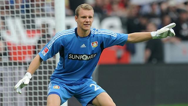Bundesliga - Leverkusen keeper Leno signs contract extension