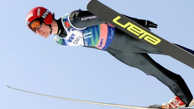 Ski Jumping - Happonen sidelined after knee op