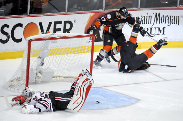 Beleskey scores in OT, Ducks beat Chicago 5-4 in wild Game 5
