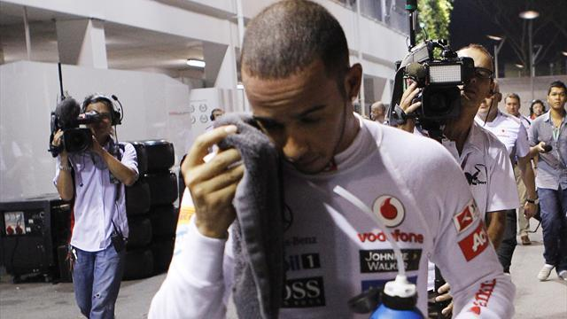 Hill: Hamilton 'caged' at McLaren