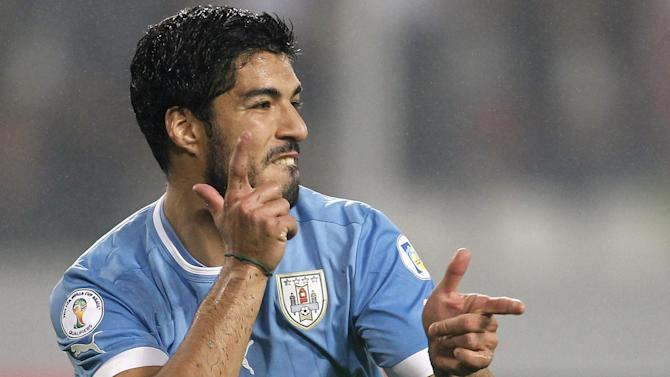 World Cup - Suarez 'back in training, and working full out'