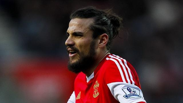 Premier League - Pochettino keeps counsel on Osvaldo