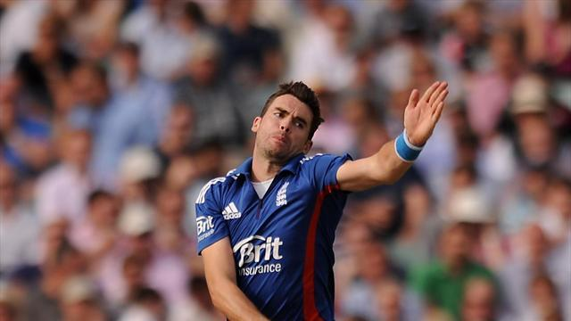 Cricket - Woakes delighted for role-model Anderson