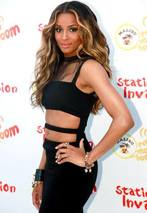Ciara Flaunts Flat Abs in Revealing Black Dress
