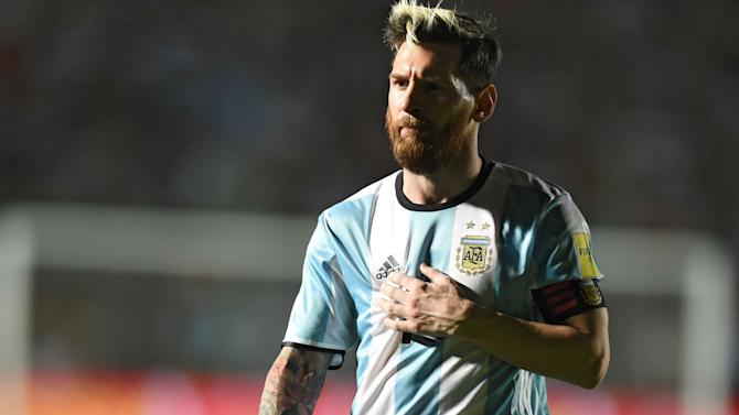 'Barcelona or Man City, it's his decision' - Bauza just wants Messi to be happy