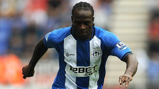 Premier League - Chelsea sign Moses as spending passes £80m