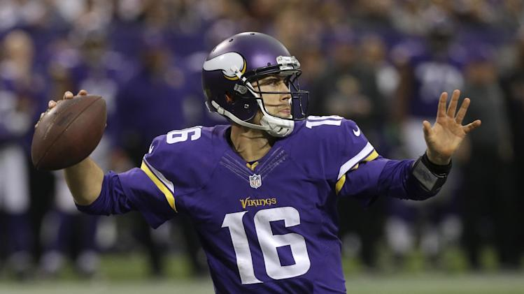 AP Source: Vikings' Cassel voids 2014 option